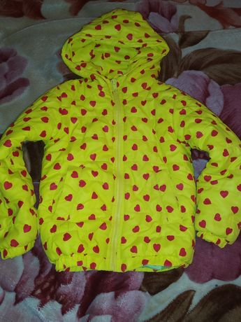 Курточка на девочку
