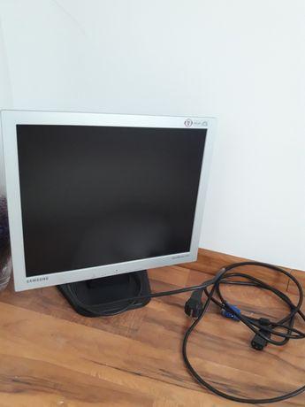 Monitor sprzedam