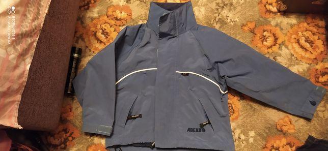 Куртка  на 5-6л