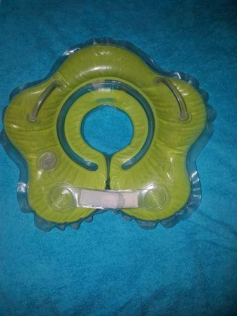 Надувной круг для купания новорожденных в ванной с погремушками внутри