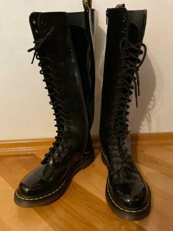 Buty Martens - czarne , wysokie lakierki sznurowane / rozmiar 38