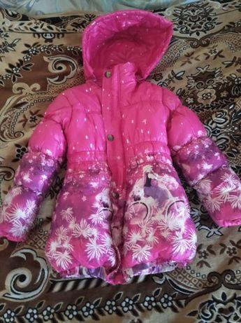 продам куртку демісезонну для дівчинки