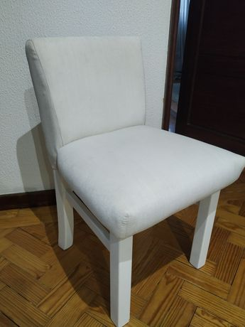 Conjunto 4 cadeiras brancas