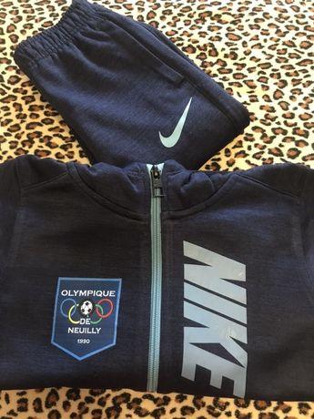 Спортивний костюм для хлопчика! Nike