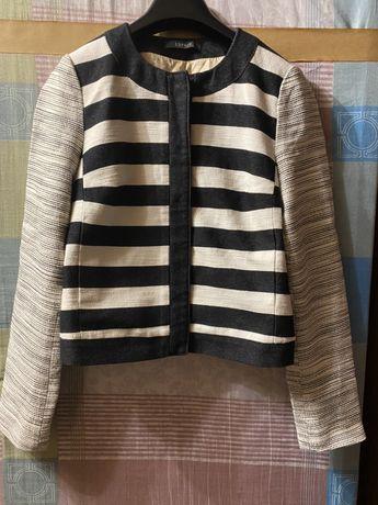 Кофта/пиджак на кнопках