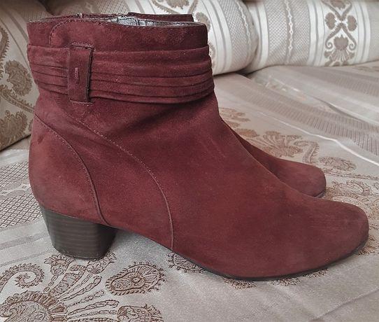 Демисезонные замшевые утепленные ботинки Capris р.39,5 стелька 26,5