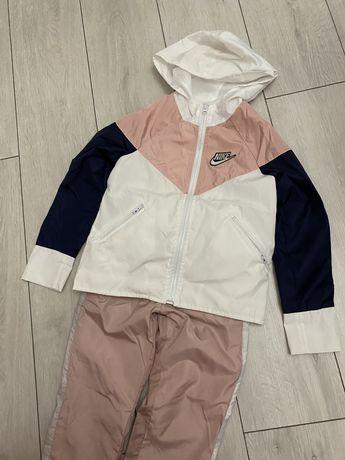 Спортивный костюм для девочки.4-6лет.Новый