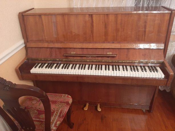 Продам пианино Терек