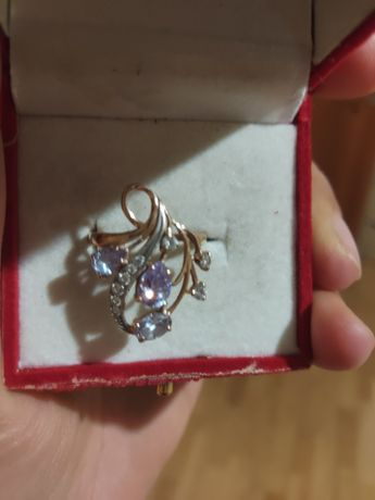 Золотое, женское  кольцо