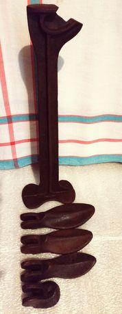 чавунна нога (лапа)