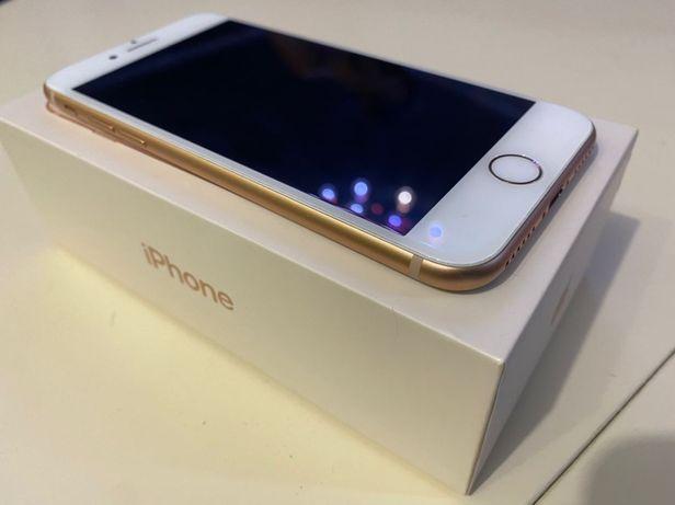 Продам Iphone 8 64 Gb в отличном состоянии