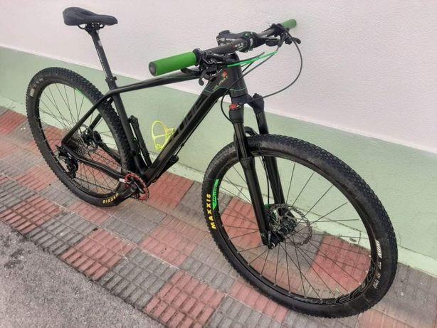 Bicicleta cube roda 29 carbono