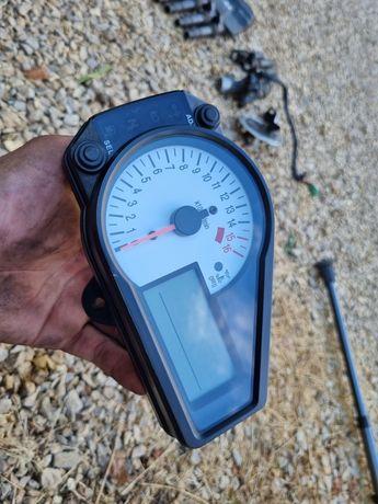 Licznik obrotomierz GSXR 600 K1 K2 K3