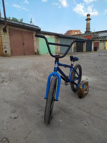 Велосипед ВМХ в отличном состоянии.