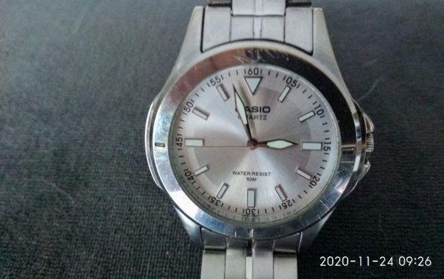 Męski zegarek Casio fluorescencyjny z bransoletą