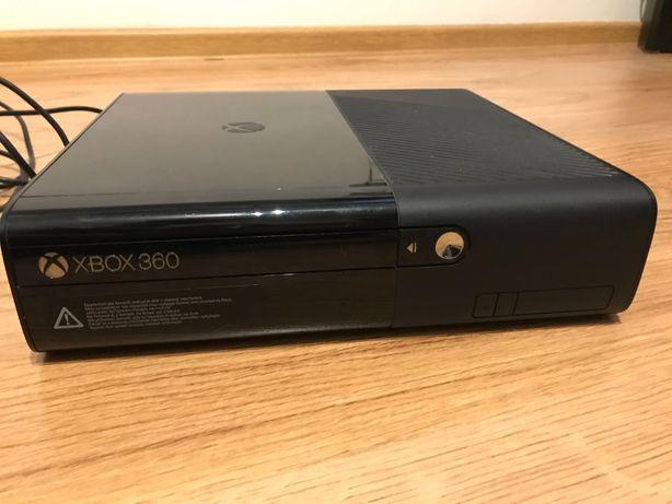XBOX 360 E 500GB + GRY
