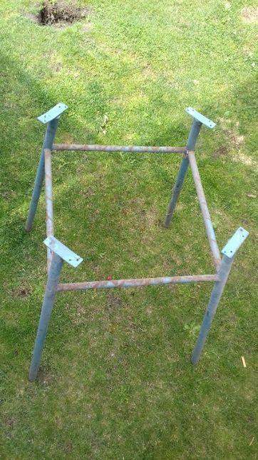 Metalowe nogi stołu PRL