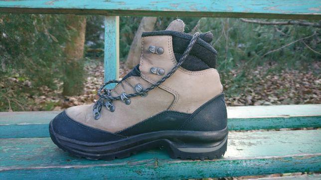 Ботинки LOWA подошва Vibram