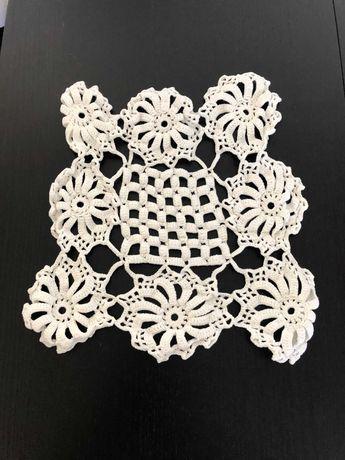 Naperons de crochet feitos à mão