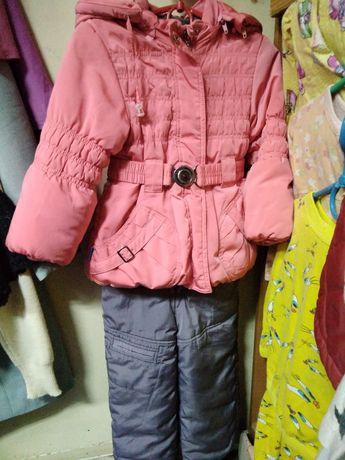 Зимний комплект(куртка +комбинезон на брителях)