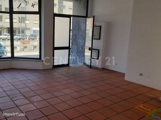 Loja com 98 m2 em Zona Central de Aveiro