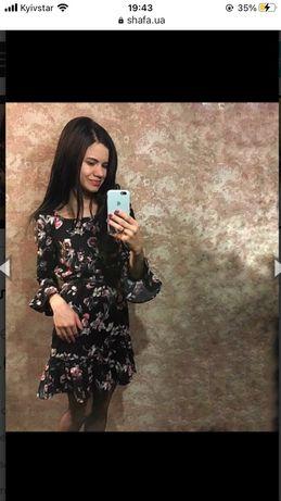Плаття в квітковий принт