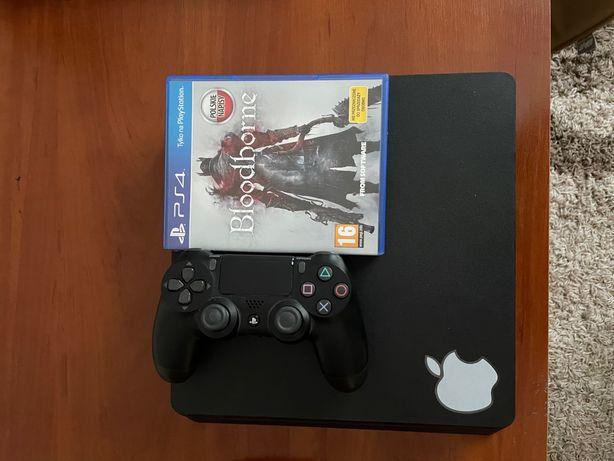 Продам игровую приставку PlayStation4