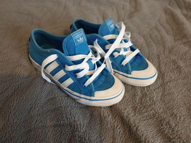 Trampki Adidas  niebieskie w stanie idealnym