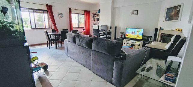 Apartamento T2 Queluz de Baixo, Barcarena
