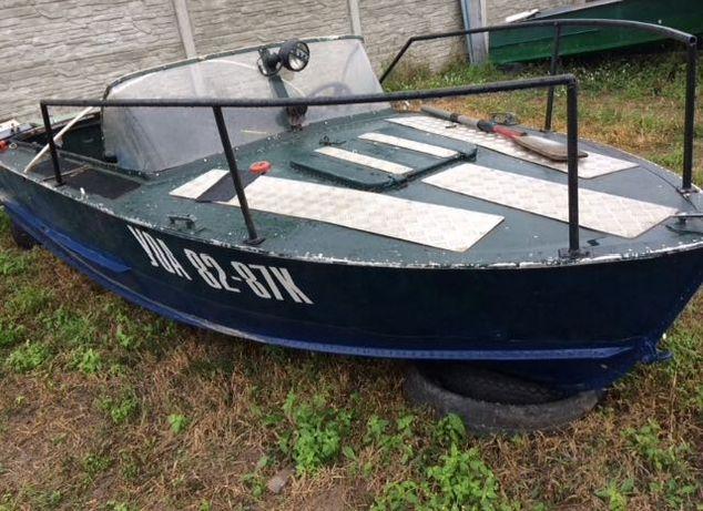 Моторная лодка прогрес