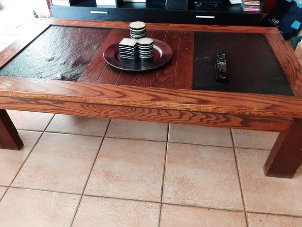 Mesa em madeira maciça e pedra, usada, necessita de restauro