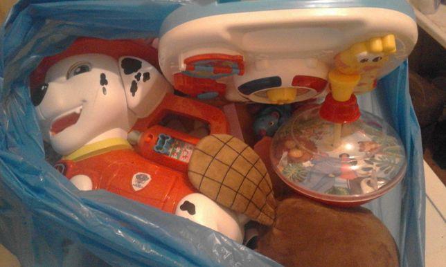 Zabawki i pluszaki dla dziecka