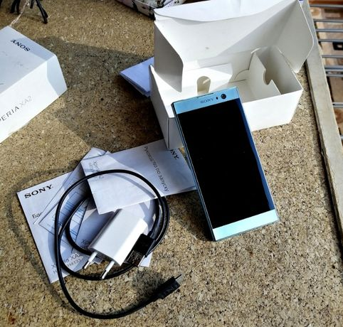 Смартфон Sony Xperia XA2