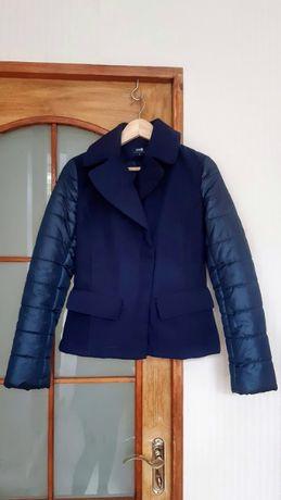 Женская курточка фирмы Oodji, размер S, указан 36