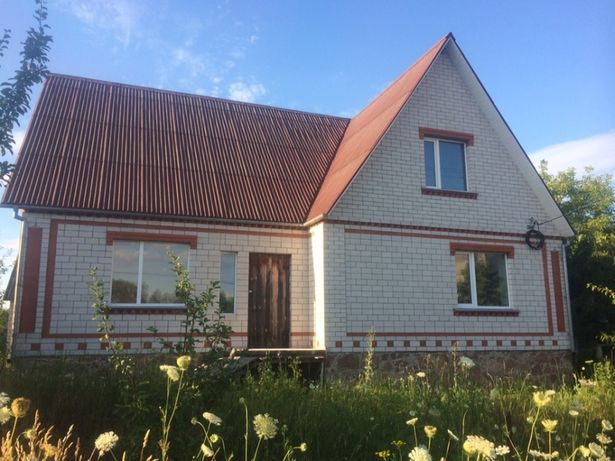 Продам дом в пгт Черняхов