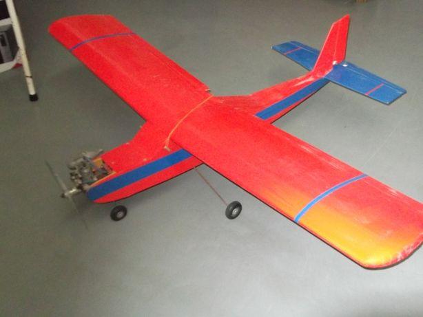 Vendo avião telecomandado para aeromodelismo