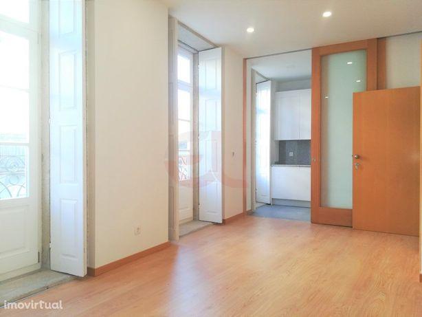 Apartamento T1 p/ arrendar - Centro Histórico