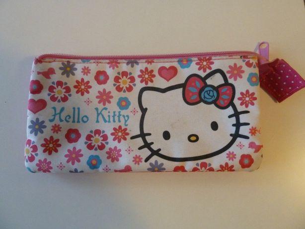 Estojo Hello Kitty (ctt grátis)
