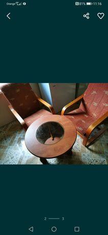 Dwa fotele stolik