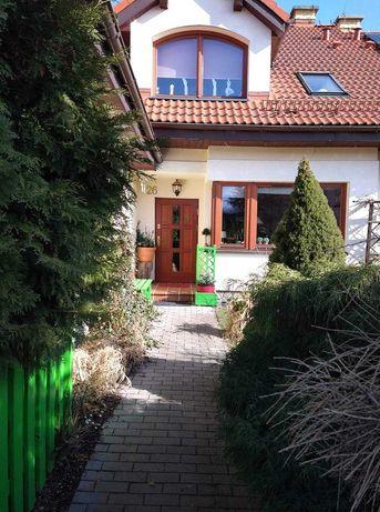 Sprzedaż domu w zabudowie / Cena do negocjacji