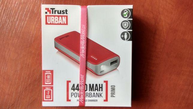 Powerbank TRUST URBAN Primo 4400mAh z funkcją latarki LED - NOWY