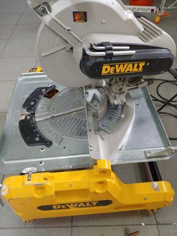 Pilarka stołowa ukośnica 2000W 250mm DeWALT DW743N