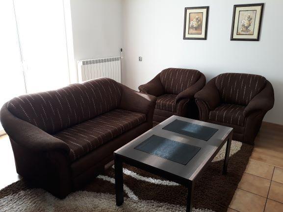 sofa kanapa + 2 fotele firmy Bodzio funkcja spania brązowa