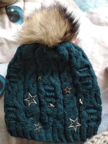 Зимова тепла шапка для дівчинки,колір темно зелений