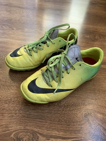 Nike Buty Korki na orlika tozmiar 34