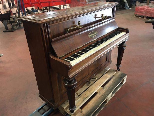 Fortepian John Brinsmead & Sons