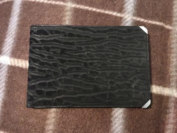 Фірмовий італійський гаманець.