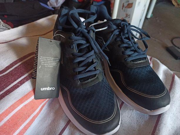 Sprzedam NOWE buty firma Umbro