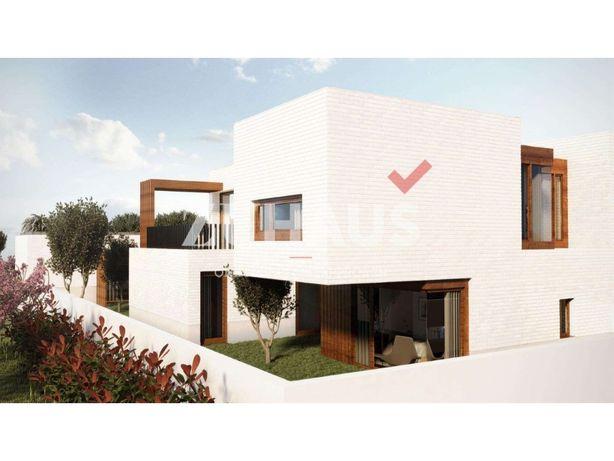 Moradia de 4 quartos com excelente exposição solar