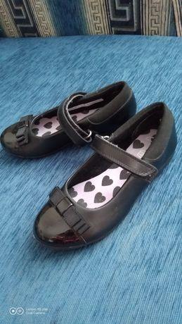 Туфлі шкільні на дівчинку Clarks, з натуральної шкіри